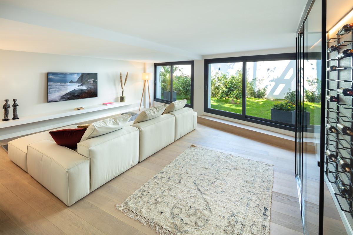 nueva_andalucia_golf_villa_TV_room