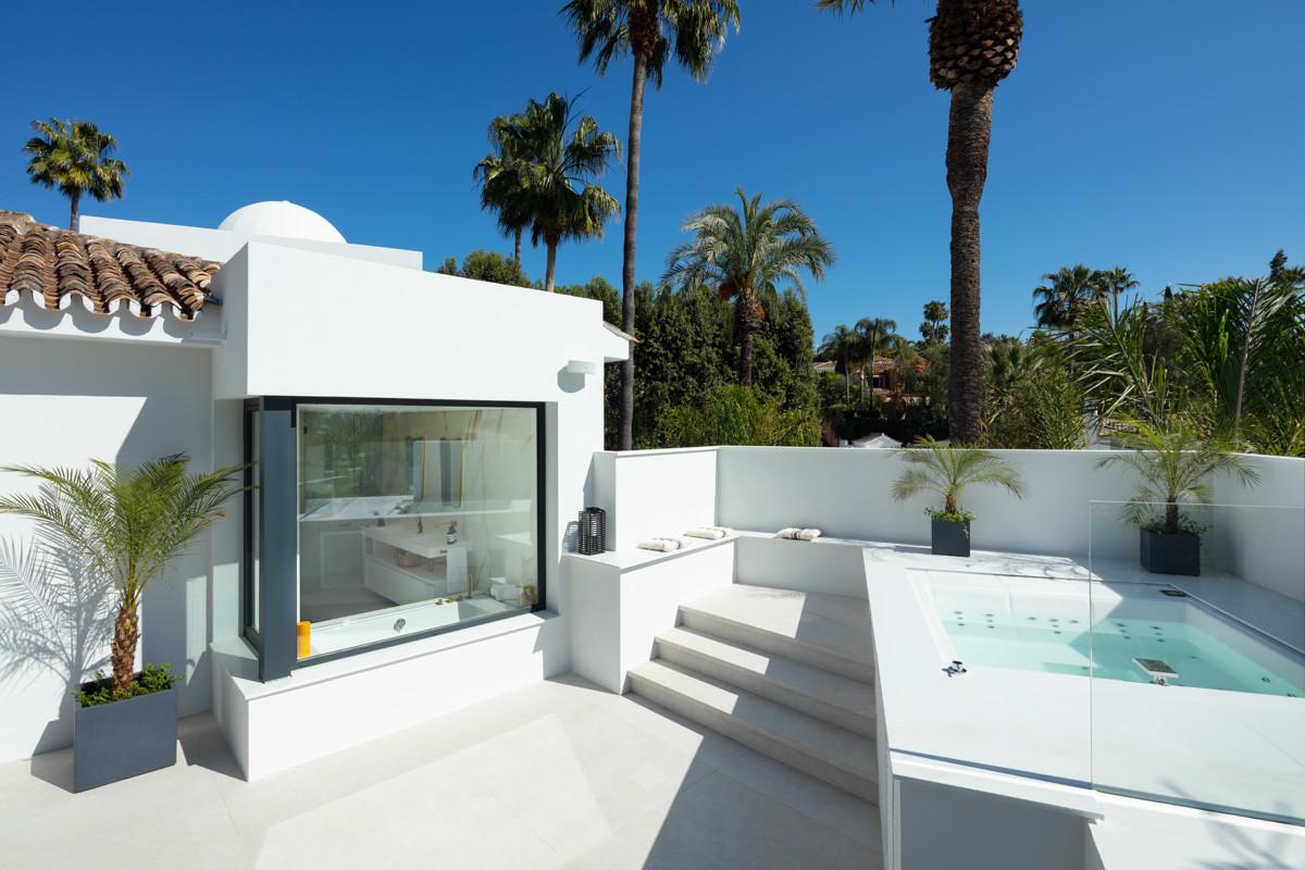nueva_andalucia_golf_villa_master_suite_terrace